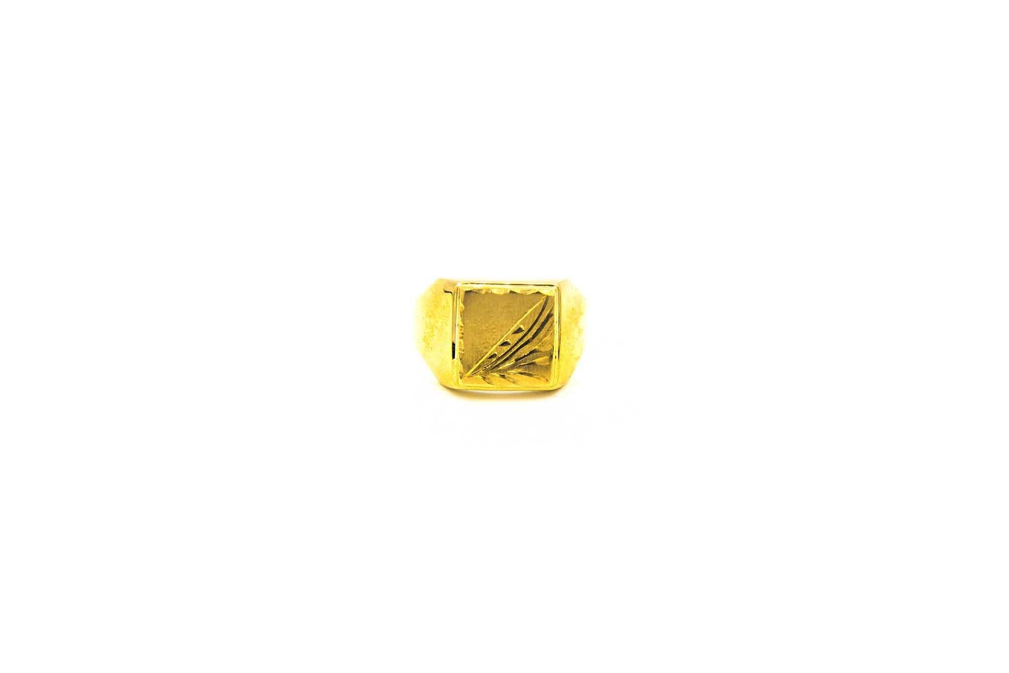 Ring met bewerkte zegel-1