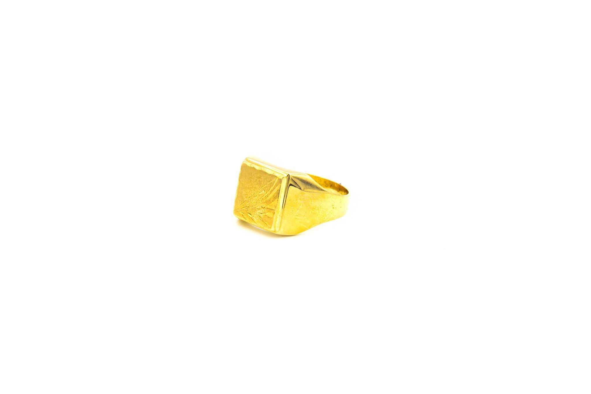 Ring met bewerkte zegel-2