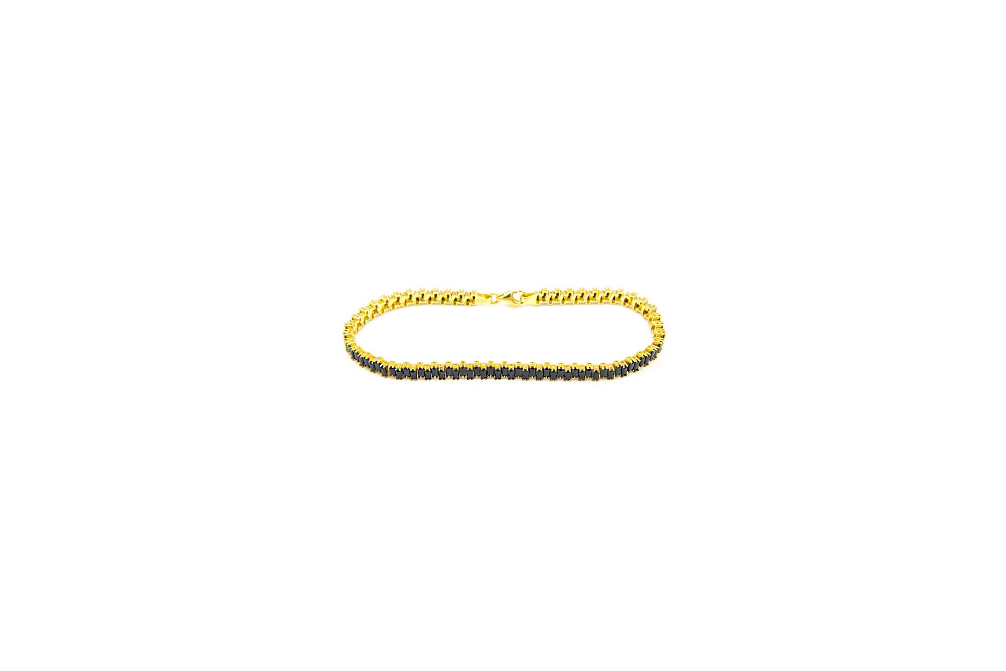 Armband tennisband bezet met zwarte zirkonia's  om en om-1