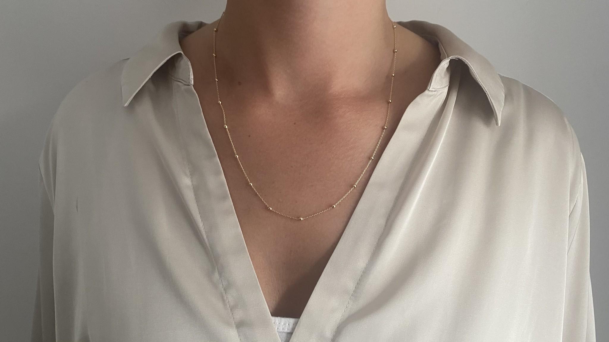 Ketting subtiele chain met balletjes-2