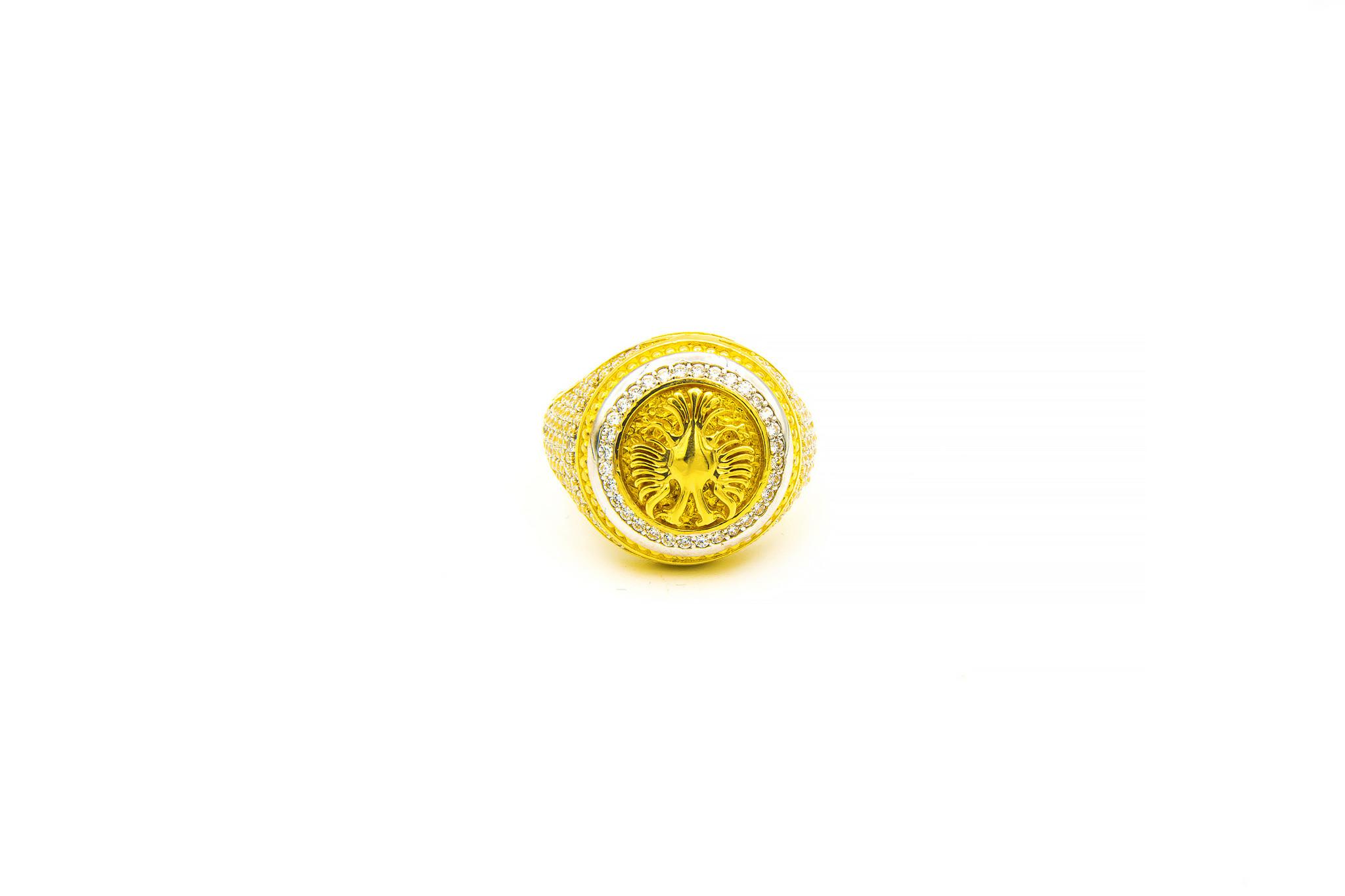 Ring grote ronde zegel met wapen Albanie ingelegd met zirkonia's bicolor-1