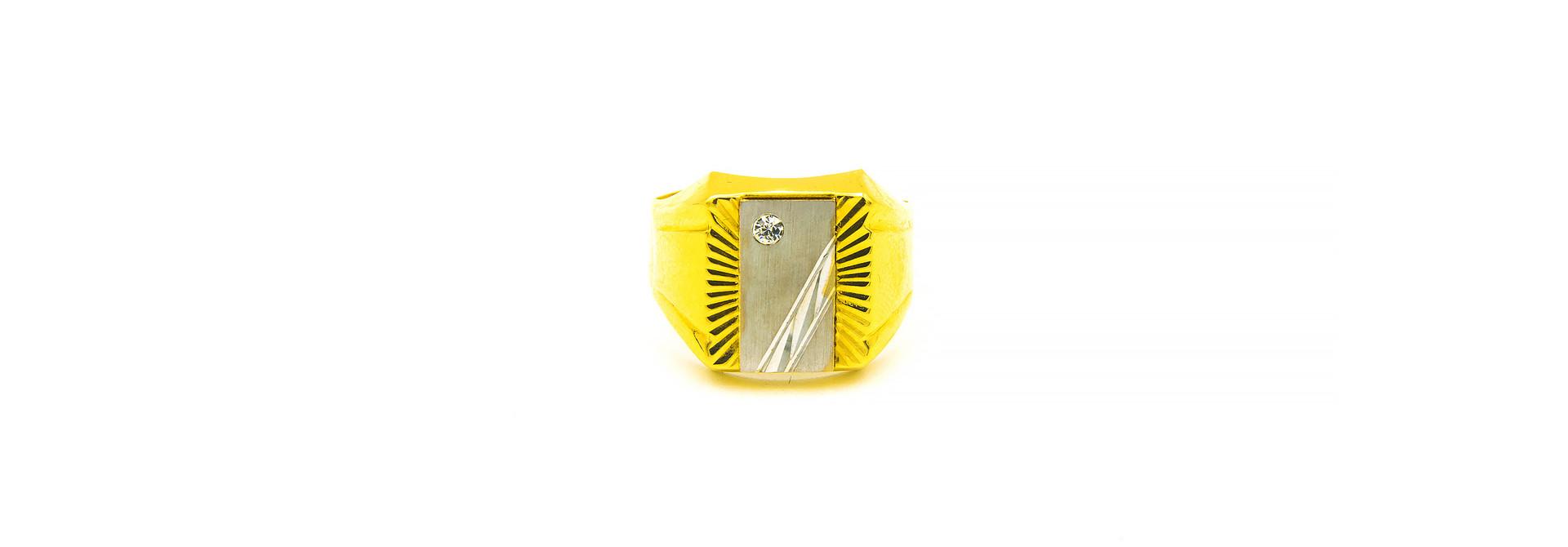 Ring bewerkte zegel met zirkonia bicolor