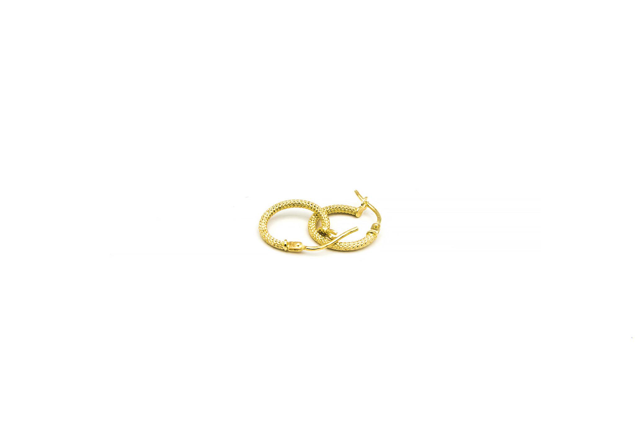 Oorbellen subtiele bewerkte ringen-1