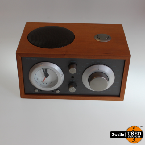 Tivoli Audio Model Three Clock Radio.| Nieuw Demo product | kleine achterzijde beschadiging
