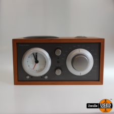 Tivoli Tivoli Audio Model Three Clock Radio.| Nieuw Demo product | kleine achterzijde beschadiging