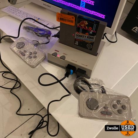 Retroad HM5 8Bit NES systeem | speelt klassieke NES cassettes | NES clone met 2 controllers