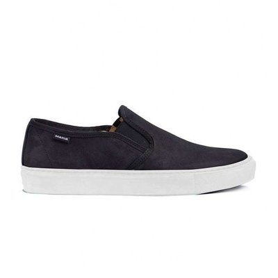 Makia Makia Slip-On Black