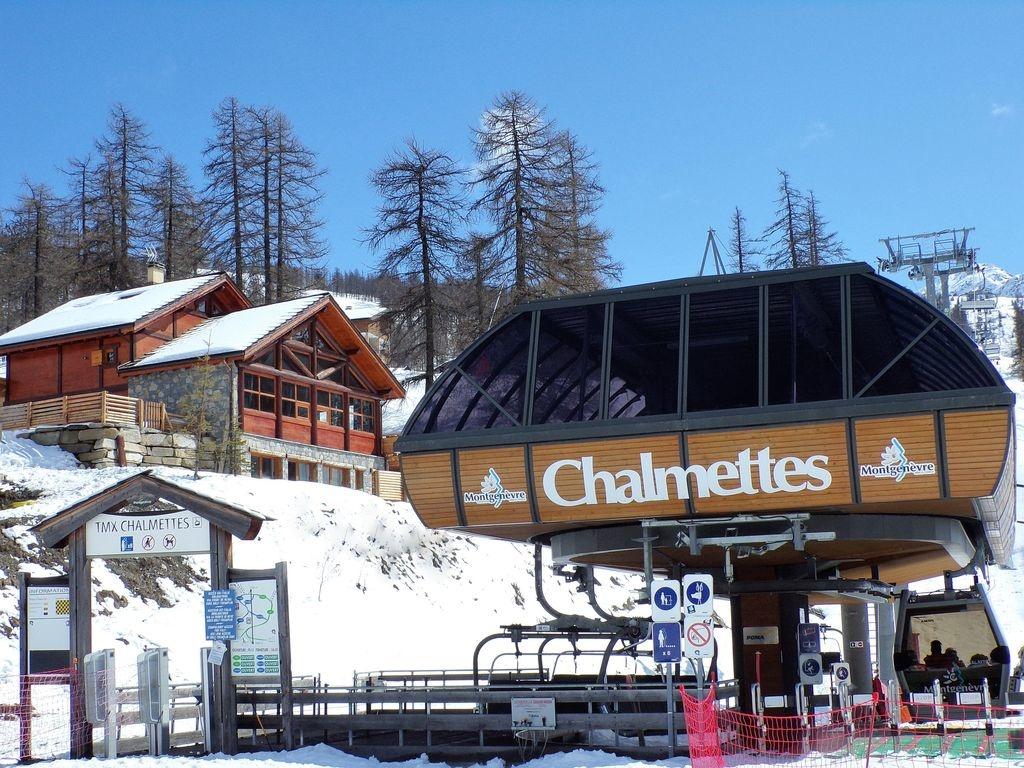 behind-the-pines-chalet-montgenevre