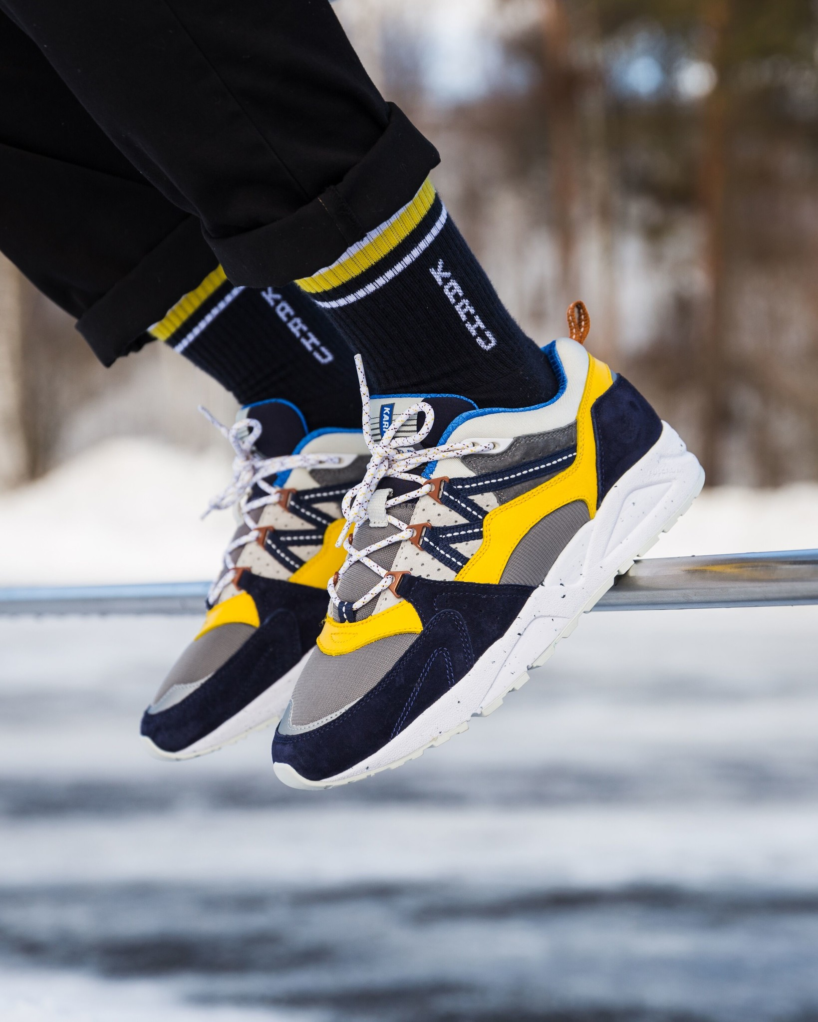 karhu-fusion-night-sky-dandelion-shoes