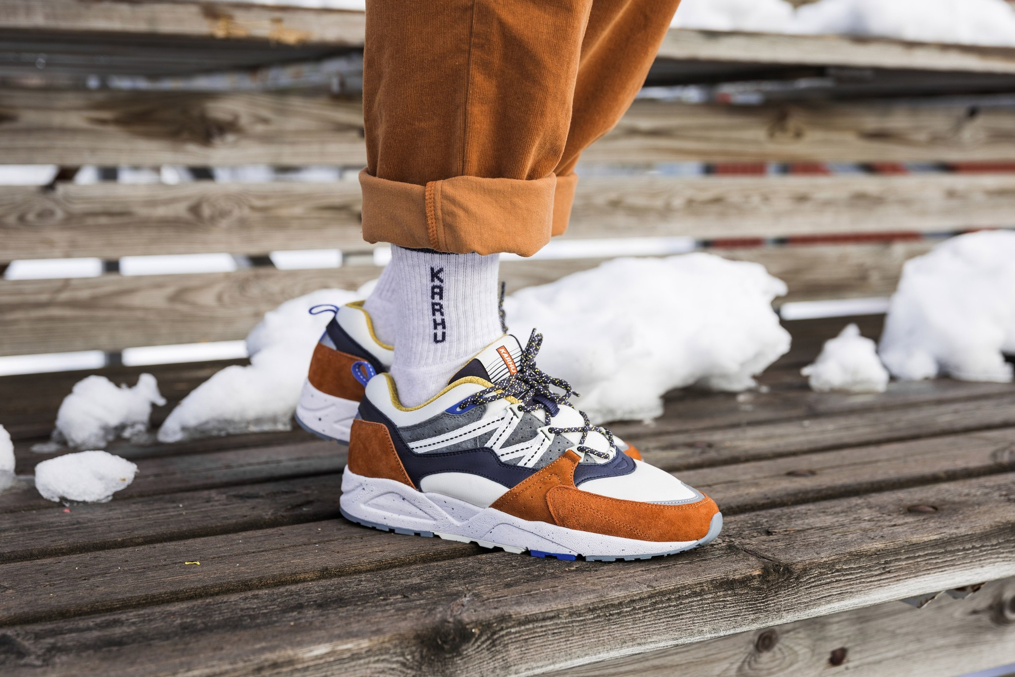 karhu-fusion-leather-brown-night-sky-shoes