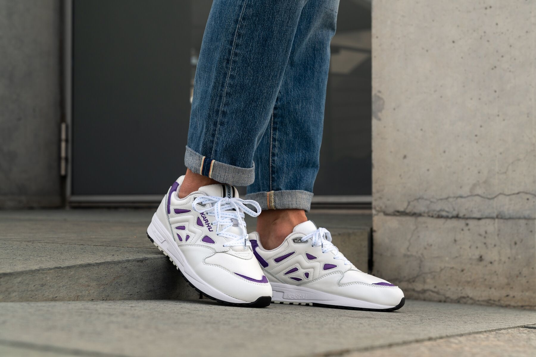 karhu-legacy-bright-white-tillandsia-shoes