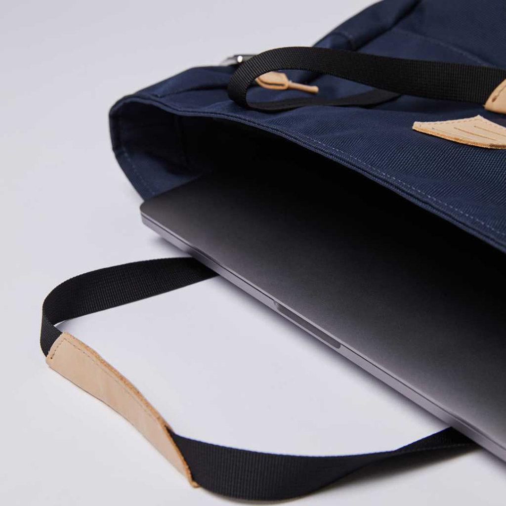Sandqvist Sandqvist Roger Navy / Natural Leather