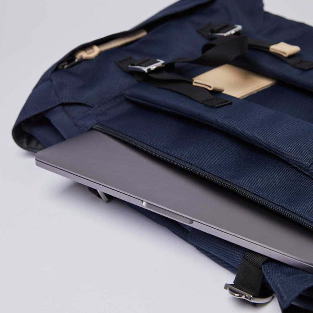 Sandqvist Sandqvist Harald Navy / Natural Leather