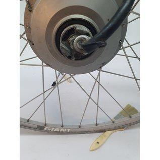 Sanyo Giant voorwiel met motor 26v met lange kabel