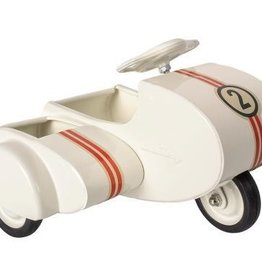 Maileg white scooter w sidecar, metal