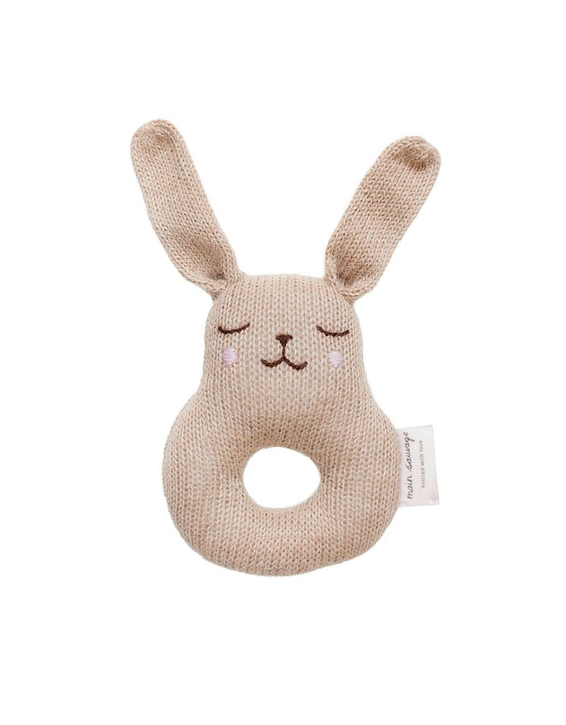 Main sauvage Bunny rattle, sand