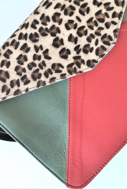 Soruka - Bolso Sobre 29 x 19 rood/ groen