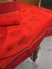 Le Jacquard Francais Contes d Hiver cranberry kerst loper 55 x 200 cm