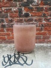 Roze glazen vaas