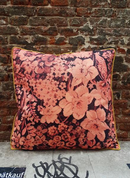 HK living Kussen printed floral coral/black met vulling