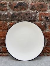 Serax Plate 17,5 cm 'Off White/Black' v.3