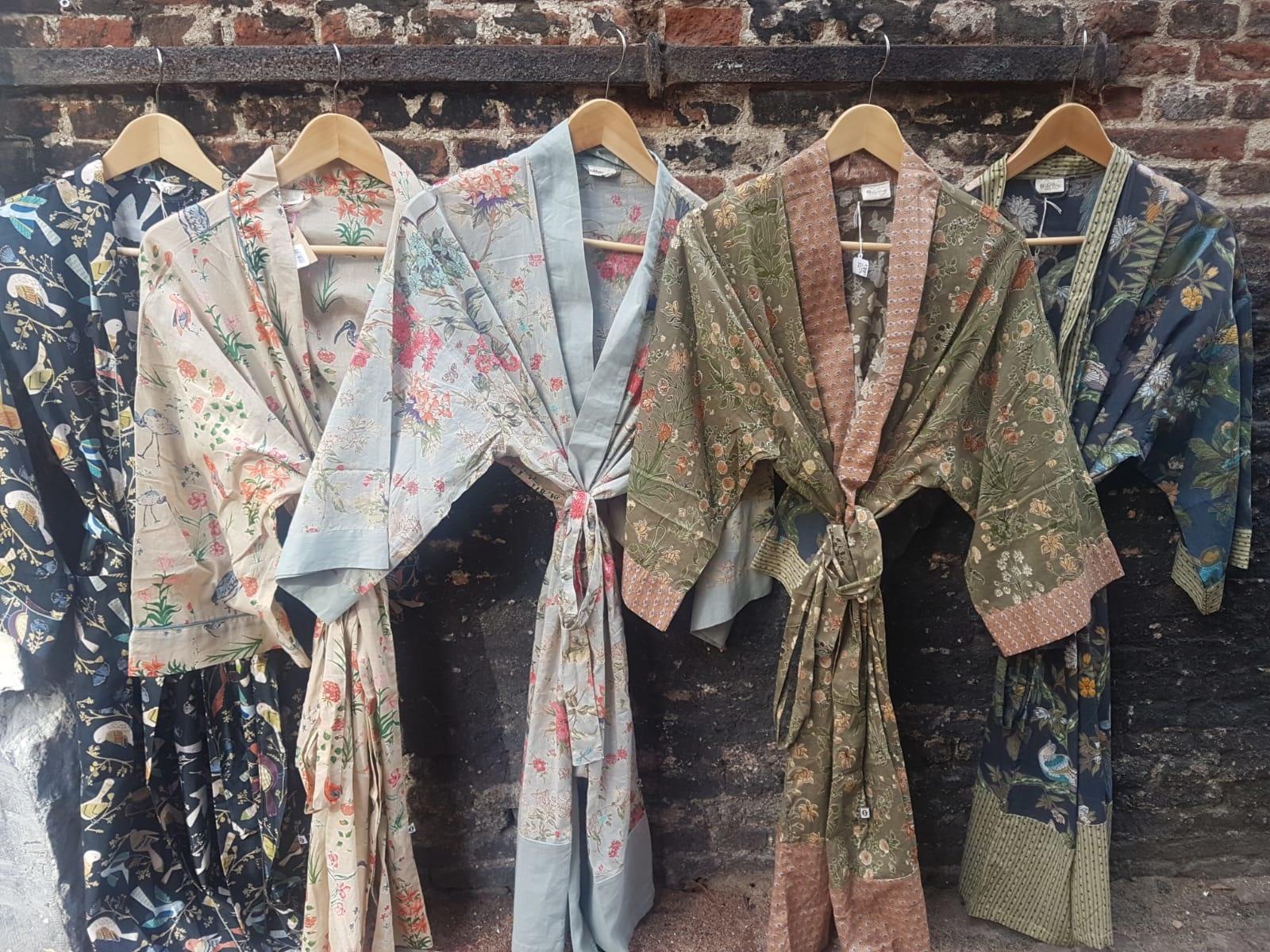 Fijne kimono's, pyjama's en tafelkleden van de The Shop
