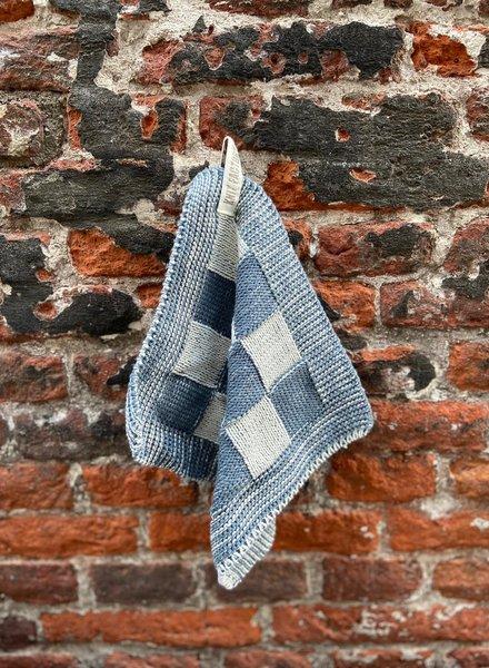 Knit Factory Pannenlap Block 'Ecru/Graniet'