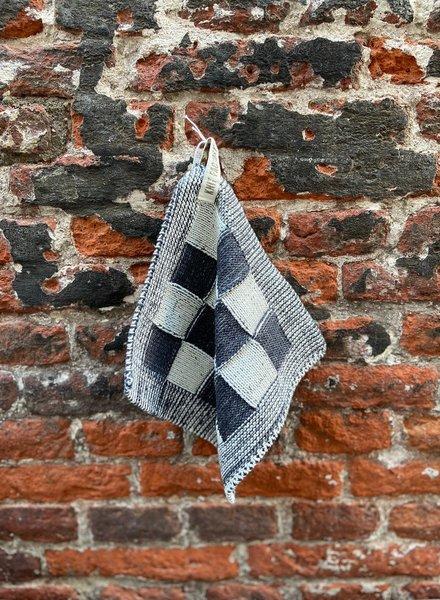 Knit Factory Pannenlap Block 'Ecru/Antraciet'