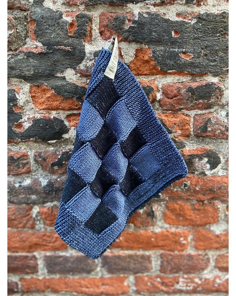 Knit Factory Knit Factory Pannenlap Block 'Zwart/Jeans'