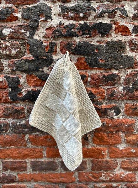 Knit Factory Pannenlap Block 'Ecru/Linnen'