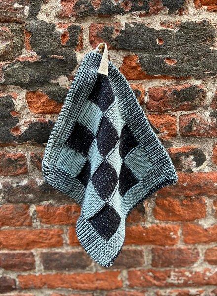 Knit Factory Pannenlap Block 'Zwart/Stone Green'
