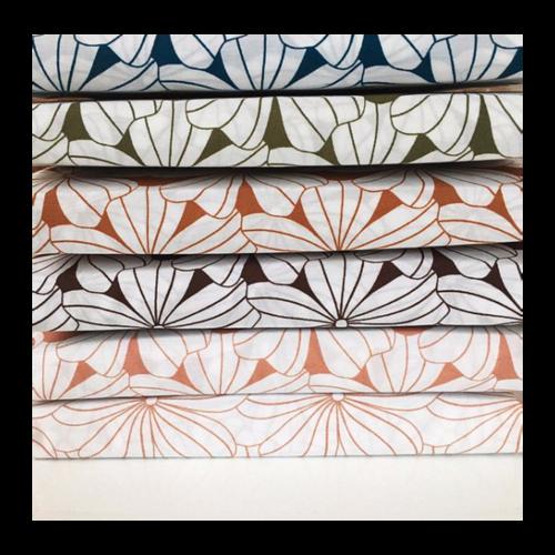 Swedish Linens Ledikant hoeslaken flowers | terracotta pink