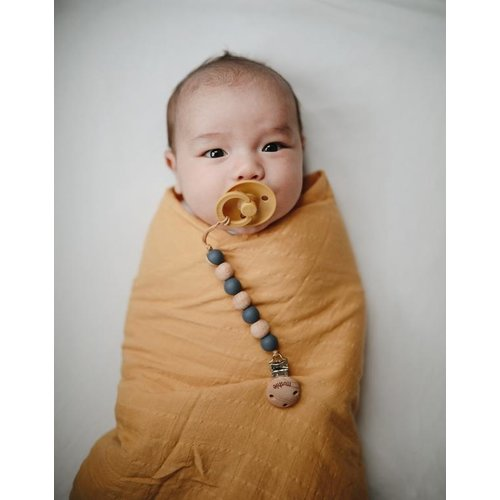 Mushie Swaddle Pale Taupe