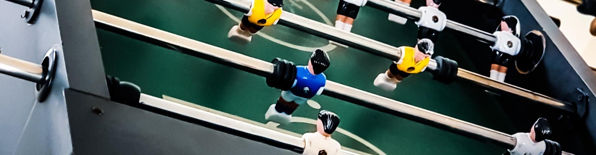 Hoe kies je een voetbaltafel naar wens uit