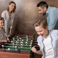 Tafelvoetbal: goed voor uren speelplezier