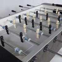 Deutscher Meister introduceert twee nieuwe voetbaltafels.