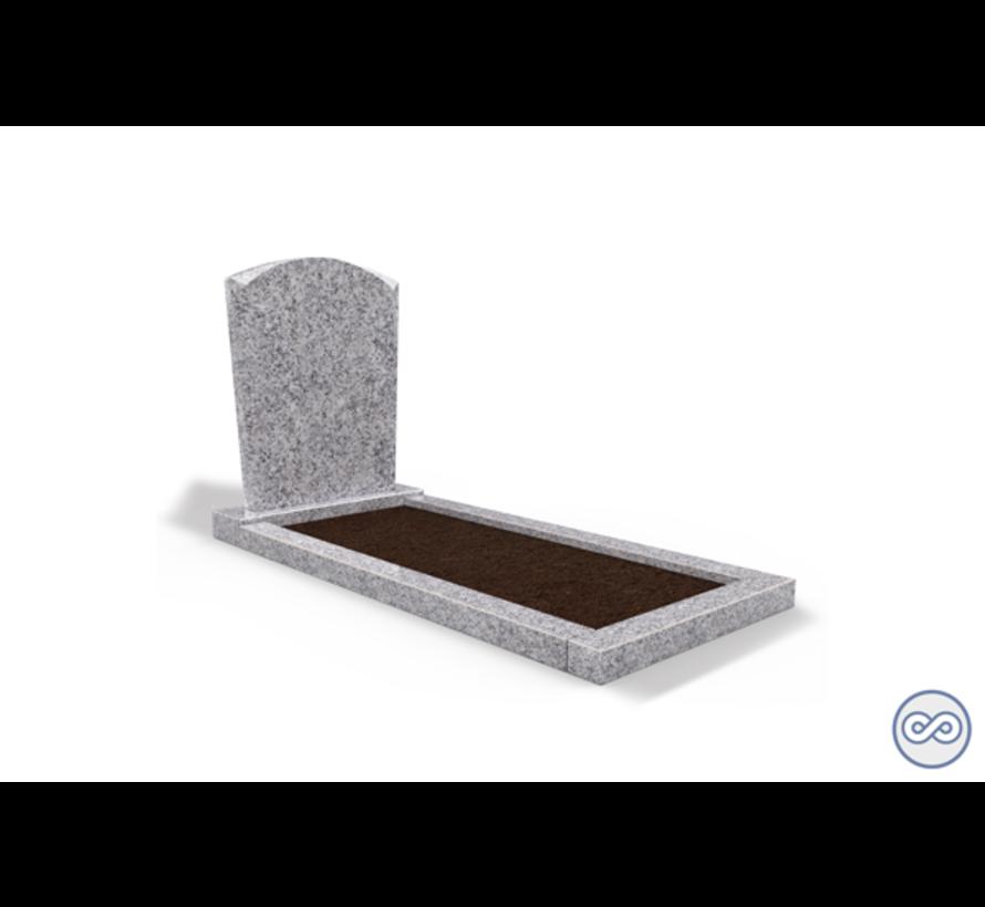 Staande grafsteen model 'Toog' met omranding en grond in de kleur Glittery White