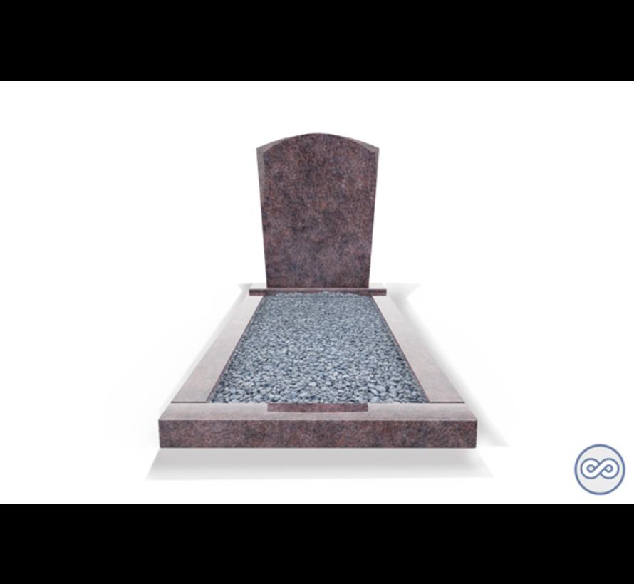 Staande grafsteen model 'Toog' met omranding en licht grind in de kleur Himalaya Blue