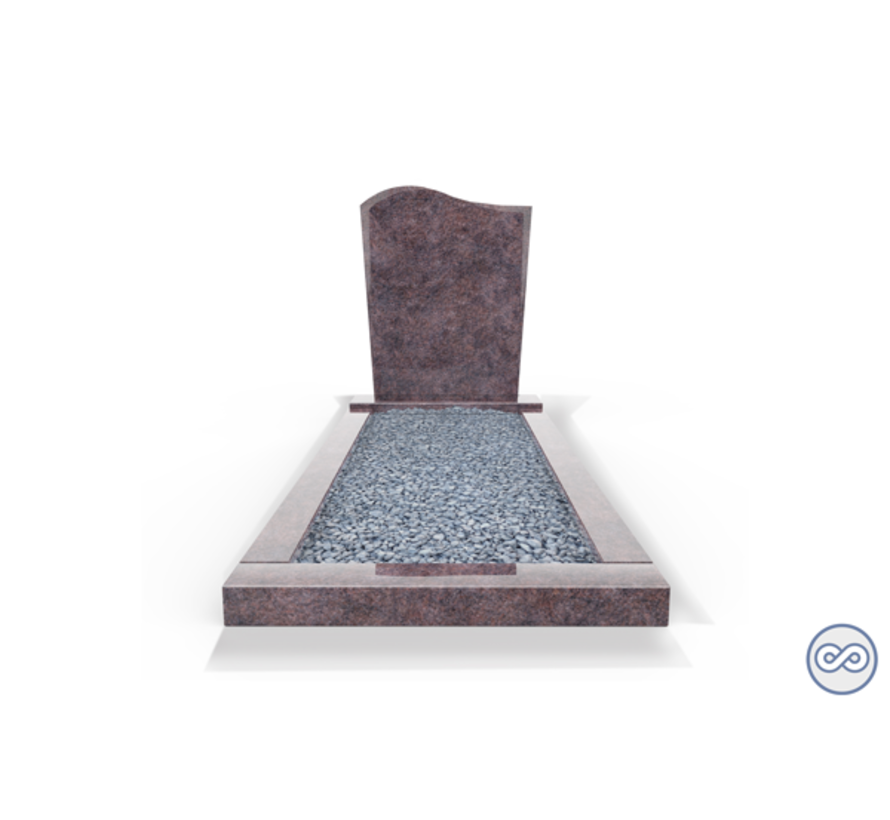 Staande grafsteen model 'Golf' met omranding en licht grind in de kleur Himalaya Blue