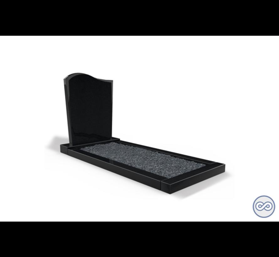 Staande grafsteen model 'Golf' met een omranding en donker grind in de kleur Zwart Graniet