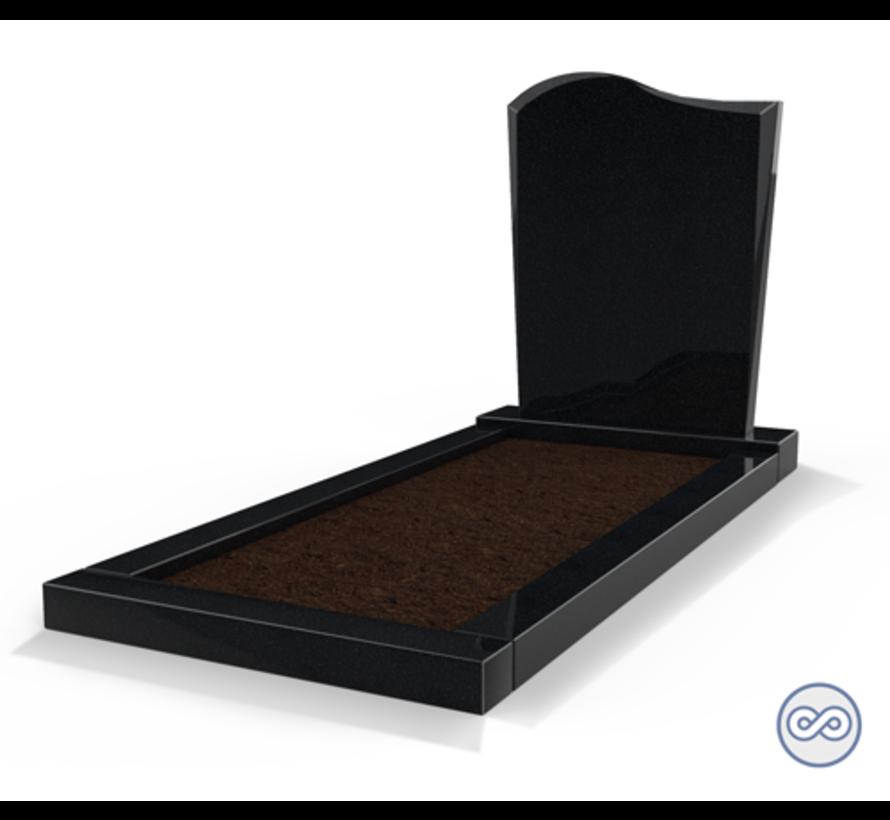 Staande grafsteen model 'Golf' met omranding en grond in de kleur Zwart Graniet
