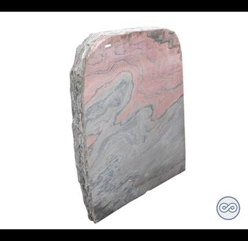 Grafsteenwinkel Staande ruwe grafsteen van roze steen