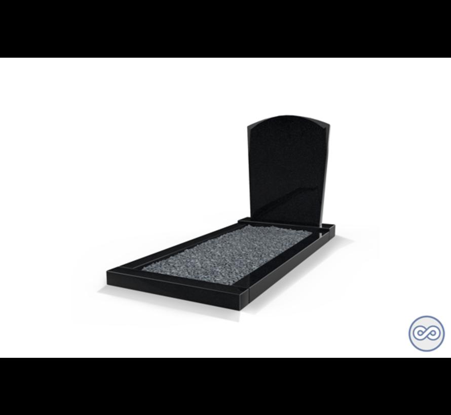 Staande grafsteen model 'Toog' met omranding en donker grind in de kleur Zwart Graniet