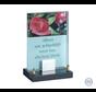 Glasmonument met rozen