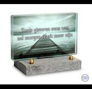 Klein glazen monument steiger