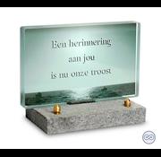 Glazen monumentje zee
