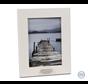 Witte fotolijst met klein asbuisje