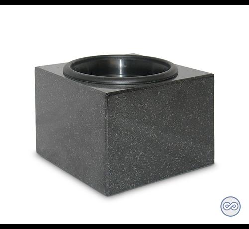 Vierkante lage vaas