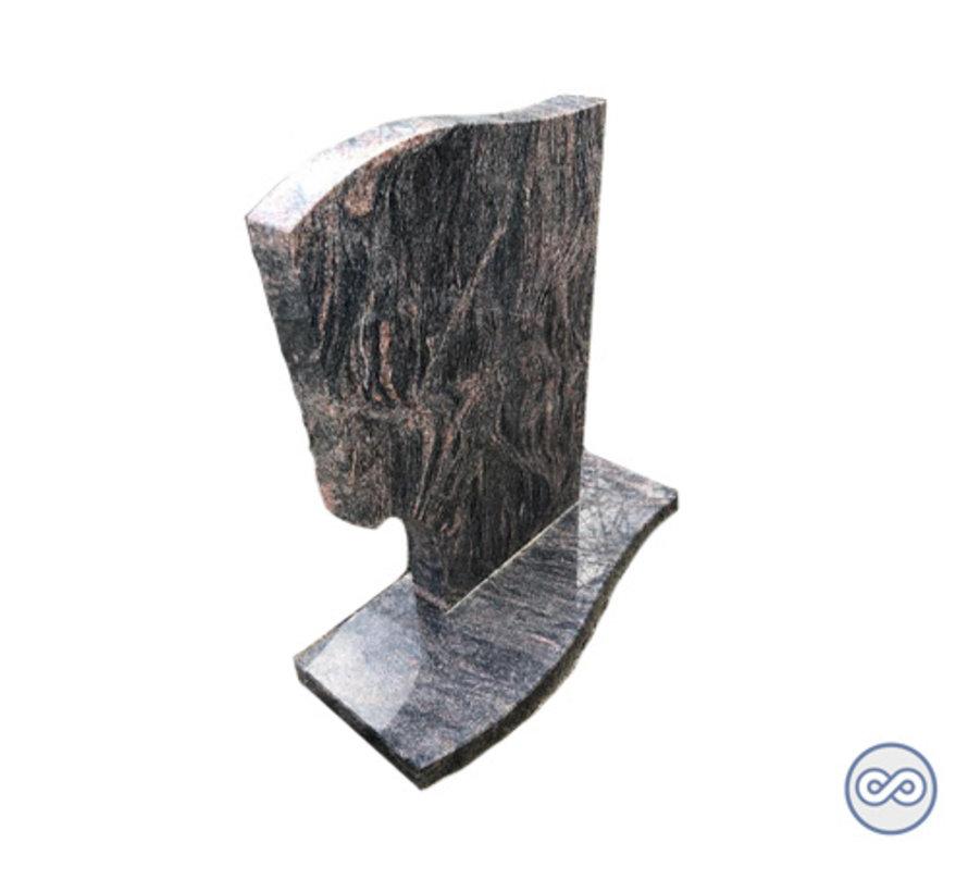 Bijzondere staande grafsteen van graniet