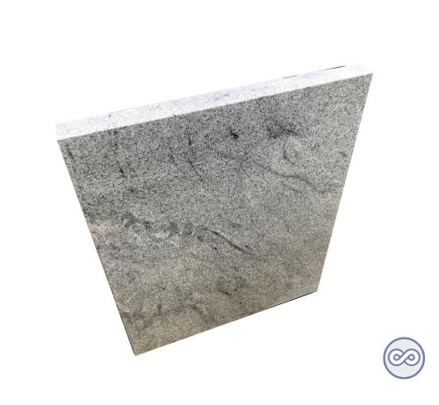 Strakke witte staande grafsteen